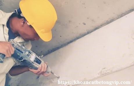 Hướng dẫn khoan rút lõi bê tông xuyên tường, đà 10
