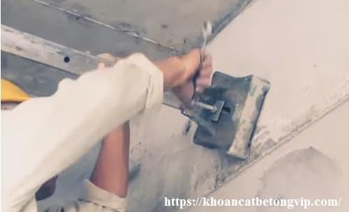 Hướng dẫn khoan rút lõi bê tông xuyên tường, đà 13